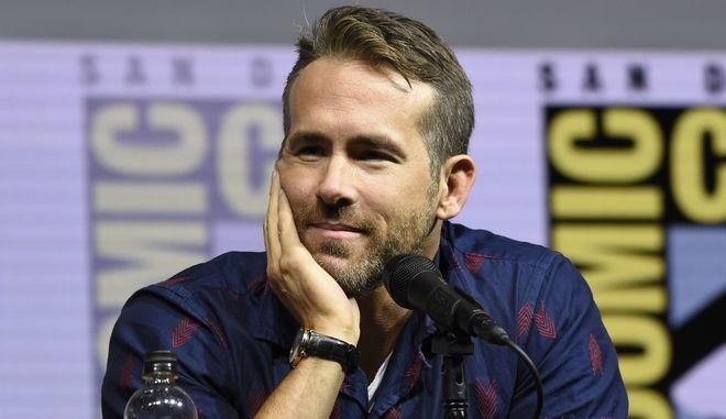 """Ο Ryan Reynolds στο πάνελ για την ταινία """"Deadpool 2"""" στο διεθνές φεστιβάλ Comic-Con 2018"""