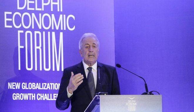 Αβραμόπουλος: Ήρθε η ώρα Βουλγαρία και Ρουμανία να ενταχθούν πλήρως στη ζώνη του Σένγκεν