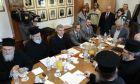 Ο Υπ.Παιδειας Κωστας Γαβρογλου στη συνάντηση με τα μελη της Ειδικης  Επιτροπης της Εκκλησιας της Ελλαδοςγια το θεμα  της μισθοδοσιας των Κληρικων