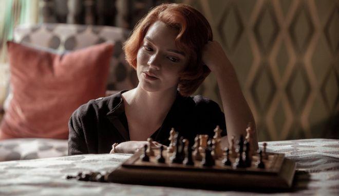 Queen's Gambit: Στο Top #1 του Netflix- Γιατί ο κόσμος δεν σταματά να το βλέπει