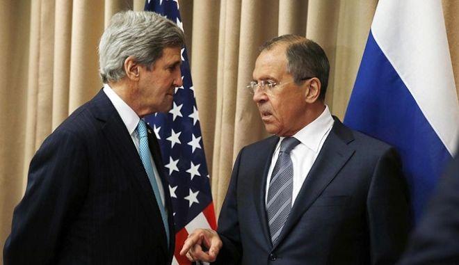 Λαβρόφ και Κέρι ζητούν ταχεία επανάληψη των ειρηνευτικών συνομιλιών για τη Συρία