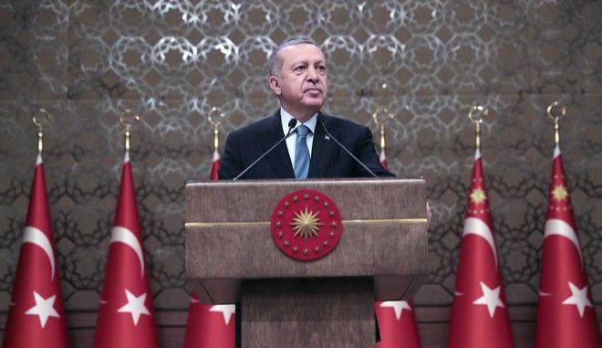 Ο Τούρκος πρόεδρος Ρετζέπ Ταγίπ Ερντογάν σε ομιλία του στην Άγκυρα