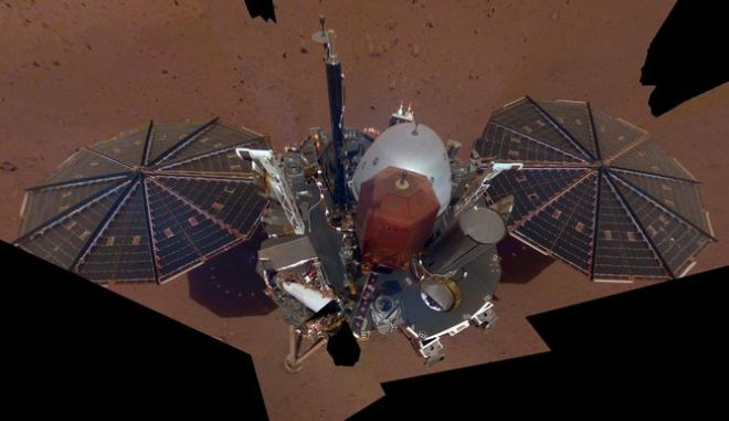 """Αυτή είναι η πρώτη """"σέλφι"""" από τον Άρη"""