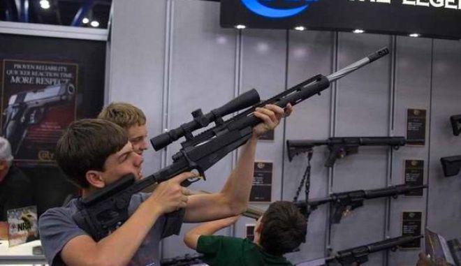 Έτοιμη να χρεοκοπήσει η αμερικανική εταιρία όπλων Colt