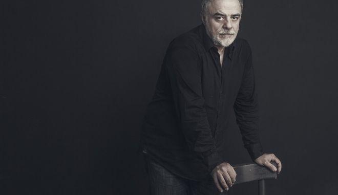 Τρεις πολύ ενδιαφέρουσες παραστάσεις κάνουν πρεμιέρα τη θεατρική σεζόν 2021-22, στο θέατρο Πόρτα, όλες σε σκηνοθεσία του καλλιτεχνικού διευθυντή του Θωμά Μοσχόπουλου.