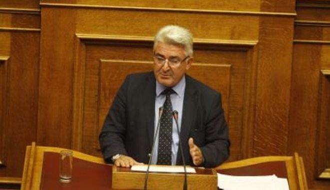 ΣΥΡΙΖΑ: Να διαγραφεί ο βουλευτής της ΝΔ που αποκάλεσε την Χούντα... επανάσταση