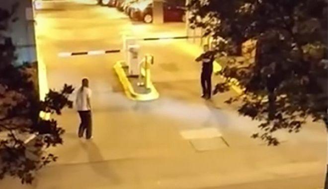 Βίντεο σοκ: Αστυνομικοί σκοτώνουν φοιτήτρια σε αμερικανικό πανεπιστήμιο