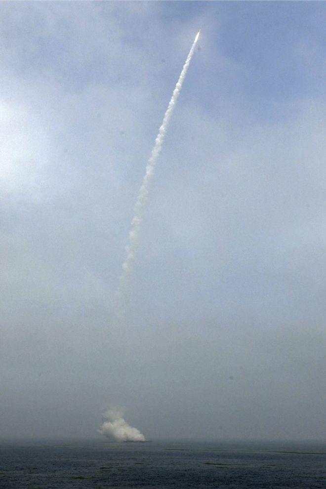 Εκτόξευση πυραύλου από πλωτή εξέδρα στην Κίτρινη Θάλασσα στην Κίνα