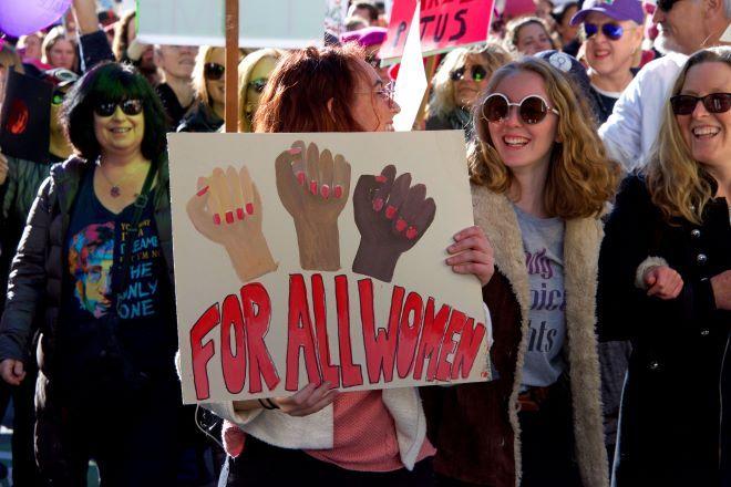 Γυναίκες σε πορεία για τα δικαιώματά τους (φωτογραφεία αρχείου)