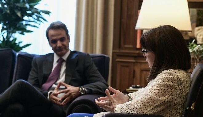 Συνάντηση της Κατερίνας Σακελλαροπούλου με τον Κυριάκο Μητσοτάκη