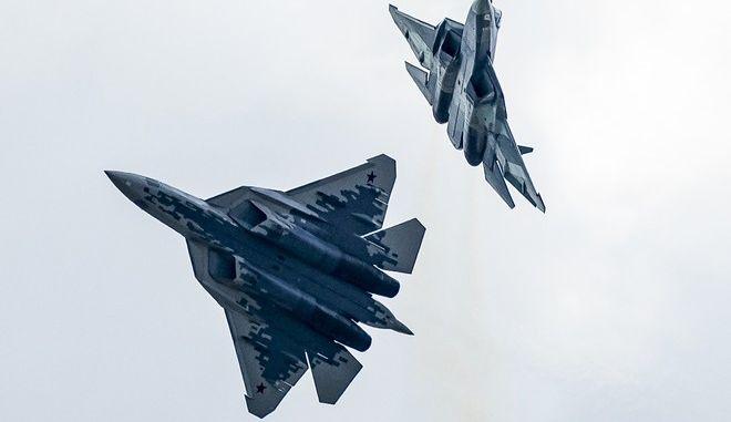 Μαχητικά πέμπτης γενιάς Su-57 σε επίδειξη