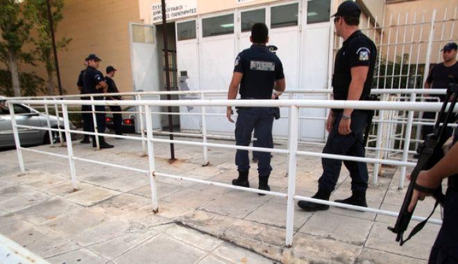 5-10-2011-Ξεκινά σήμερα στην ειδικά διαμορφωμένη αίθουσα των φυλακών Κορυδαλλού η δίκη για την υπόθεση της οργάνωσης του Επαναστατικού Αγώνα(EUROKINISSI-ΓΙΑΝΗΣ ΠΑΝΑΓΟΠΟΥΛΟΣ)