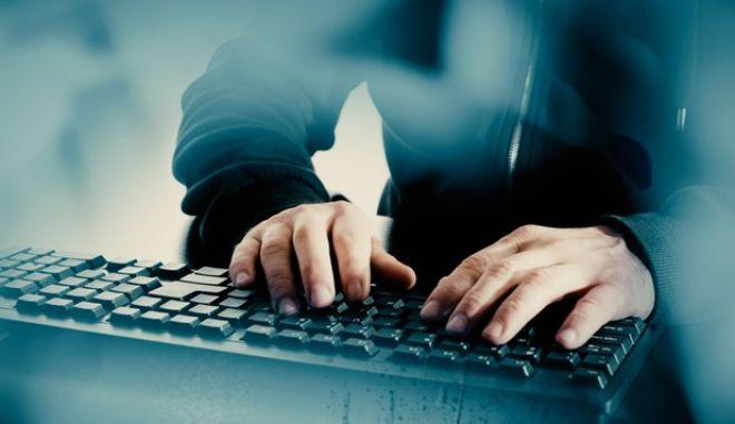 Χάκερ πωλούν με την ώρα τις υπηρεσίες τους στην μαύρη αγορά