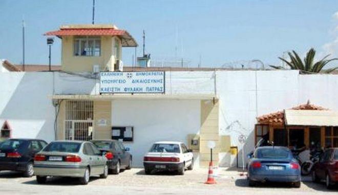 Μία προφυλάκιση, τρεις ελεύθεροι για διακίνηση ναρκωτικών στις φυλακές Αγ. Στεφάνου
