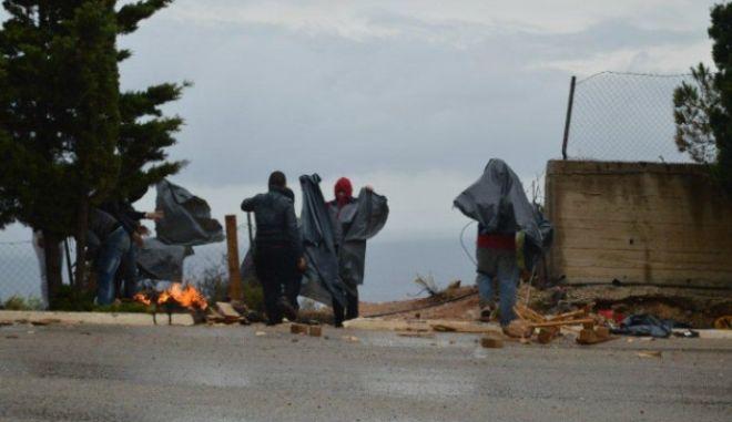 Ανακοίνωση για τους πρόσφυγες και τις άθλιες συνθήκες διαβίωσής τους εν μέσω χιονιά