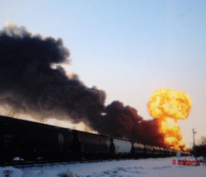 Απίστευτο βίντεο: Κόλαση φωτιάς μετά από σύγκρουση τρένων