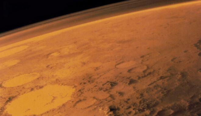 Εικόνα από την επιφάνεια του Άρη