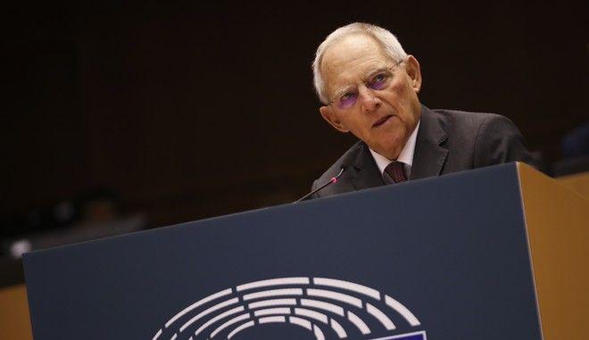Ο Βόλφγκανγκ Σόιμπλε στο ευρωκοινοβούλιο στις Βρυξέλλες τον Νοέμβριο του 2019