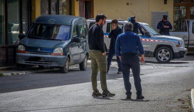 Οι αρχές φοβούμενες βεντέτα ενισχύουν τις αστυνομικές δυνάμεις στην περιοχή.