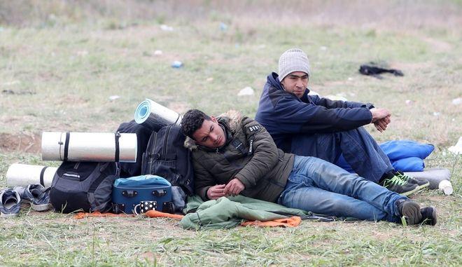 Άρχισε η αποχώρηση των προσφύγων από τα Διαβατά