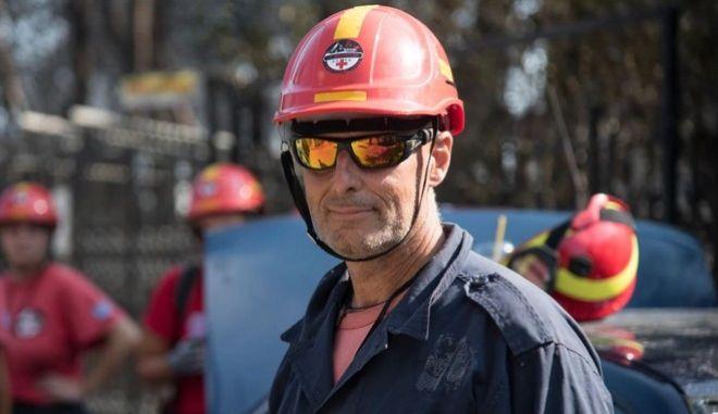 Ο Κώστας Καλογερογιάννης έχασε τη ζωή του μετά από πτώση του αεροσκάφους στο οποίο επέβαινε