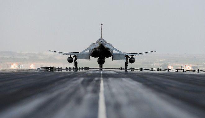 Στον αέρα η εκεχειρία Άγκυρας - PKK μετά τις αεροπορικές επιδρομές. Δεν σταματάμε, λέει ο Νταβούτογλου
