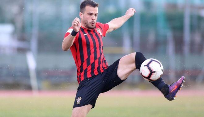 O ποδοσφαιριστής Νίκος Τσουμάνης