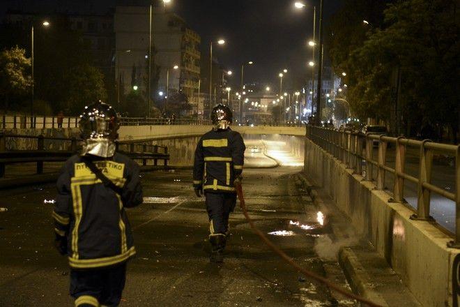 Πυροσβέστες στον Νέο Κόσμο