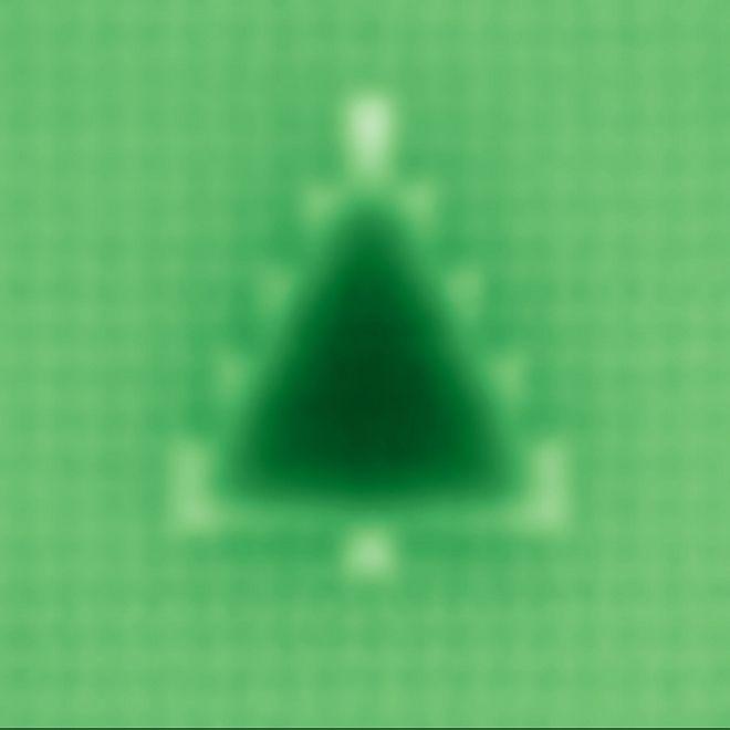 Φοιτήτρια έφτιαξε το μικρότερο χριστουγενιάτικο δέντρο με ύψος... 4 νανόμετρα