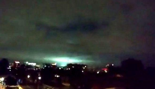 Πανικός στο Μεξικό: Μυστηριώδεις λάμψεις στον ουρανό μετά το σεισμό
