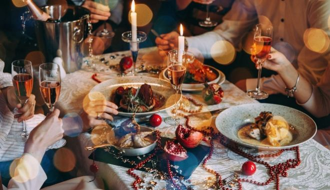 Χριστουγεννιάτικο τραπέζι. Φωτό αρχείου.