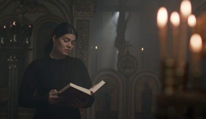 """Ο""""Θρήνος της Παναγίας"""" στη δημοτική από τη Μαρία Κορινθίου"""