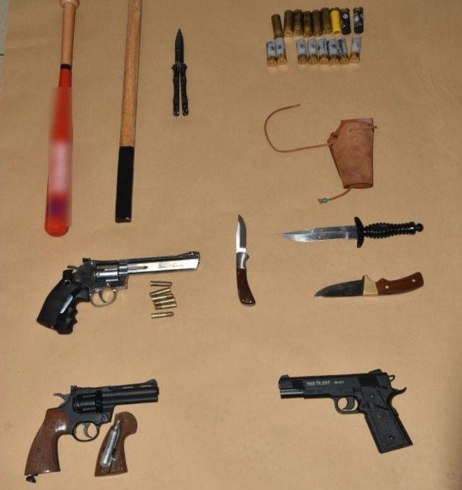 ΕΠΑΛ Σταυρούπολης: Οπλοστάσιο εντοπίστηκε στα σπίτια τριών συλληφθέντων
