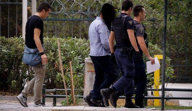 Στον εισαγγελέα οδηγήθηκε ο 55χρονος που κατηγορείται για τον ξυλοδαρμό του Ζακ Κωστόπουλου
