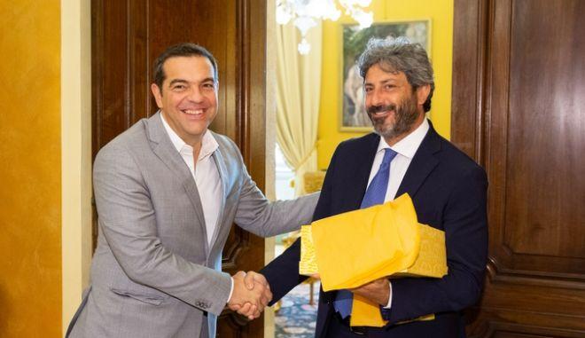 Ο Αλέξης Τσίπρας με τον πρόεδρο της Ιταλικής Βουλής Ρομπέρτο Φίκο