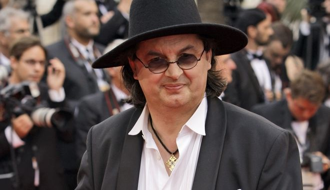 French chef Marc Veyrat arrives for the screening of the film 'Chun Feng Chen Zui De Ye Wan' (Spring Fever) during the 62nd International film festival in Cannes, southern France, Thursday, May 14, 2009. (AP Photo/Joel Ryan)