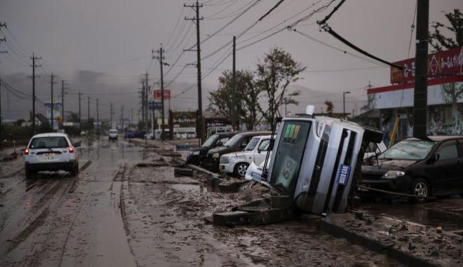 Καταστροφές που προκλήθηκαν από τον τυφώνα