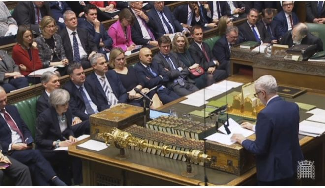 Κόρμπιν εναντίον Μέι στο βρετανικό Κοινοβούλιο