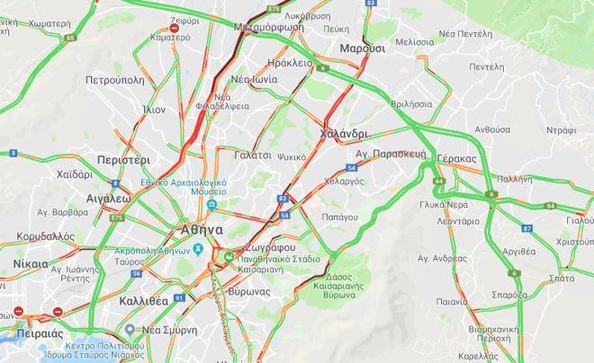 Κίνηση στους δρόμους: Αυξημένη κυκλοφορία στο κέντρο