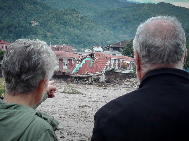 Στιγμιότυπα από την περιοχή Μουζάκι στην Καρδίτσα,όπου υπερχείλισε ο Πάμισος ποταμός.Η περιοχή πλήττεται από τα ξημερώματα από τον Μεσογειακό κυκλώνα Ιανό, Σάβατο 19 Σεπτεμβρίου 2020 (EUROKINISSI/ ΘΑΝΑΣΗΣ ΚΑΛΛΙΑΡΑΣ)