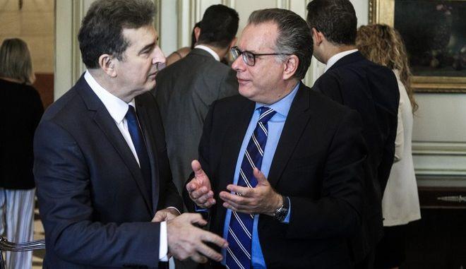 Ο υπουργός και ο αναπληρωτής Προστασίας του Πολίτη Μιχάλης Χρυσοχοΐδης και Γιώργος Κουμουτσάκος αντίστοιχα