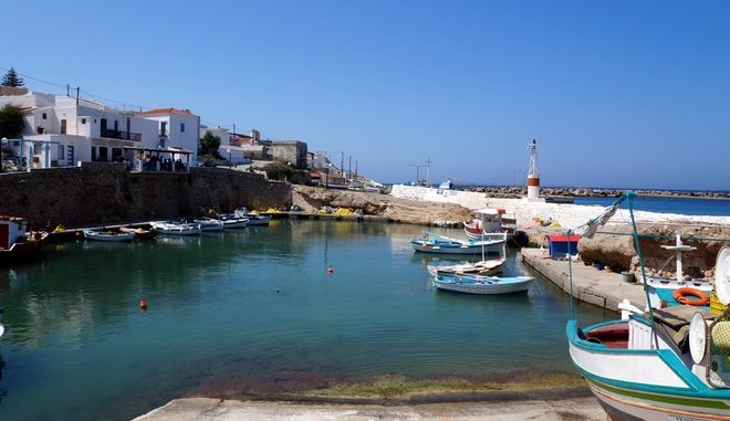 Στιγμιότυπο από το λιμάνι τη Κάσου την Πέμπτη 10 Απριλίου 2014. (EUROKINISSI)
