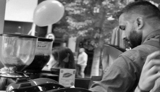 Θλίψη στην Πάτρα για τον 29χρονο που κάηκε στο σπίτι του - Τα συγκινητικά μηνύματα στο facebook