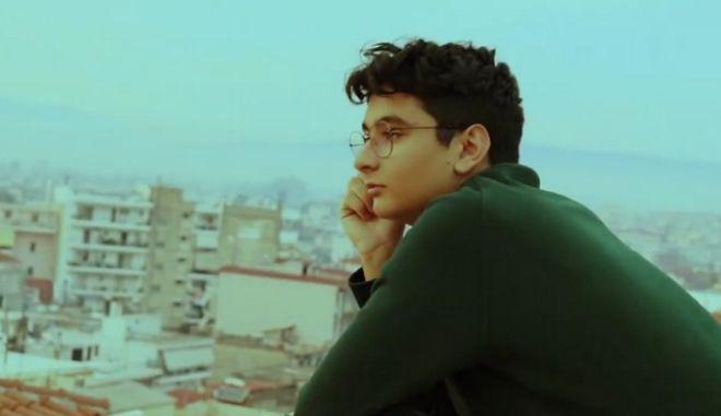 """""""Ραγίζει καρδιές"""" η ταινία 15χρονου μαθητή από το Αγρίνιο για τον κορονοϊό"""