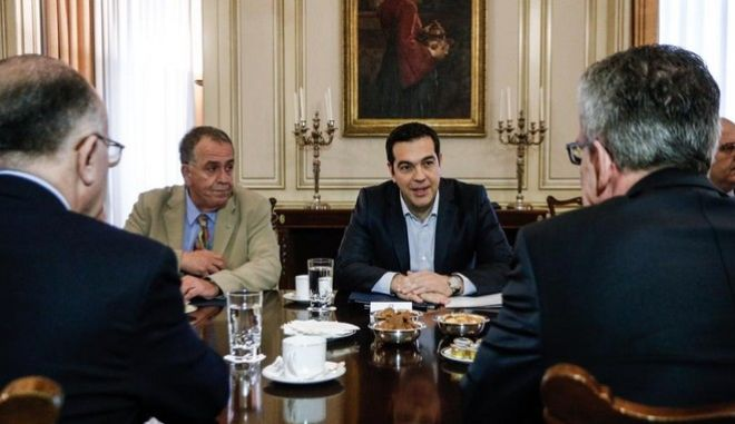Meeting between the Prime Minister of Greece, Alexis Tsipras, the Minister of Interior of France Bernard Cazeneuve and the Minister of Interior of Germany Thomas de Maiziere, in Athens, on Feb. 5, 2016 /            Bernard Cazeneuve       Thomas de Maiziere,  ,  5 , 2016