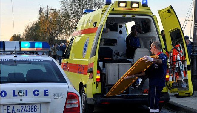 Τροχαίο στην Καβάλας και Θηβών: Τρεις οι τραυματίες