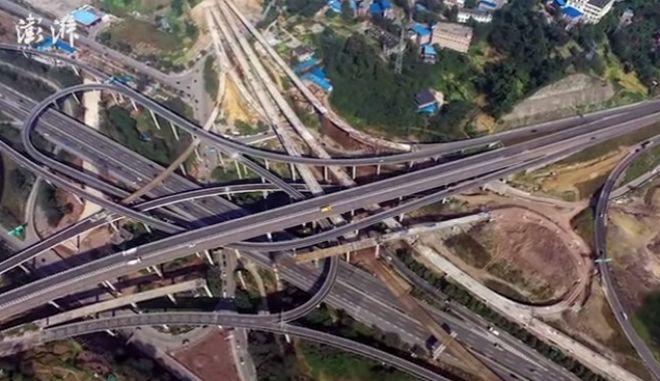 Το μπέρδεμα του αιώνα: Αυτοκινητόδρομος πέντε επιπέδων και οκτώ κατευθύνσεων