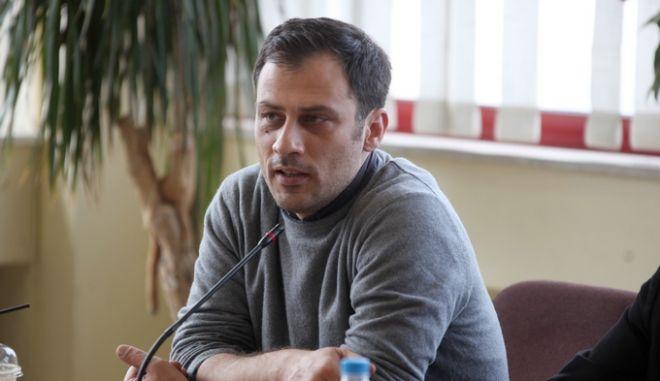 Συνέντευξη Τύπου με θέμα «Οι εργασιακές σχέσεις στην Αυτοδιοίκηση: Από τη ζούγκλα των μνημονίων, στη μόνιμη και σταθερή εργασία» πραγματοποιούν, στο δημαρχείο Καισαριανής, δέκα δήμαρχοι της Αττικής, Τρίτη 18 Νοεμβρίου 2014. Στη φωτογραφία ο Άρης Βασιλόπουλος, δήμαρχος Φιλαδέλφειας β Χαλκηδόνας.  (EUROKINISSI/ΑΛΕΞΑΝΔΡΟΣ ΖΩΝΤΑΝΟΣ)
