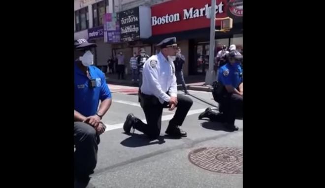 Αστυνομία της Νέας Υόρκης γονατίζει