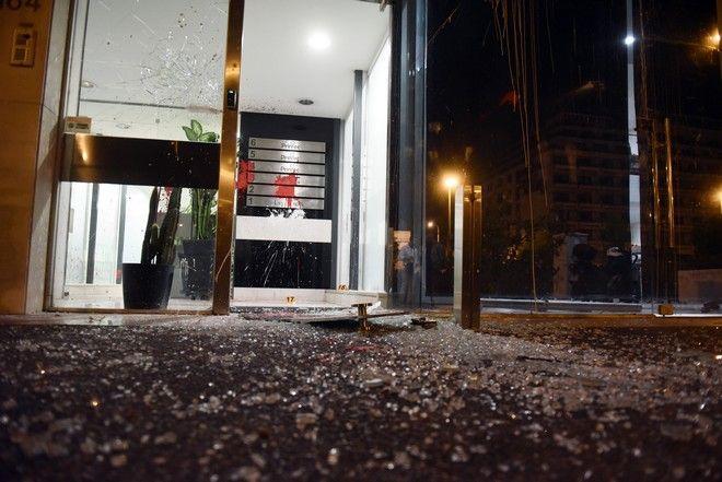 Επίθεση με πέτρες και μπογιές πραγματοποίησε το απόγευμα της Κυριακής 22 Οκτωβρίου 2017, ομάδα αγνώστων στα γραφεία της εφημερίδας